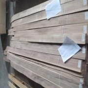 van-lang-walnut-oc-cho-van-soc-quater-cut-1,8m-pacificmaterials_4