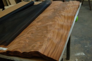 crotch-mahogany-nuoc-lam-mem-veneer-veneer-softener-pacificmaterial